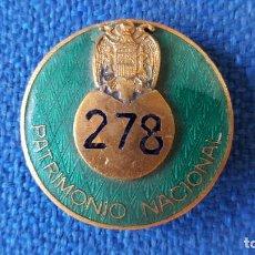 Militaria: PLACA DE PECHO NUMERADA PATRIMONIO NACIONAL. Lote 66232506