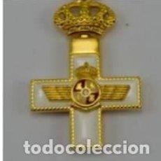 Militaria: PIN DEL MERITO AERONAUTICO CON DISTINTIVO BLANCO, EXCELENTE ESMALTADO. Lote 104892834