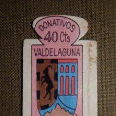 Militaria: ESCUDO - EMBLEMA - AUXILIO SOCIAL - DONATIVOS - MADRID - VALDELAGUNA - 40 CTS - 1951. Lote 69892629