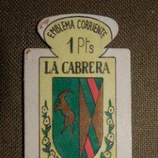 Militaria: ESCUDO - EMBLEMA - AUXILIO SOCIAL - DONATIVOS - MADRID - LA CABRERA - 1 PTS - 1951. Lote 69892649