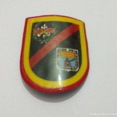 Militaria: ESCARAPELA TERCIO GRAN CAPITAN 1° DE LA LEGIÓN ESPAÑOLA, 90X70 MM. ÉPOCA FRANCO. Lote 71205969