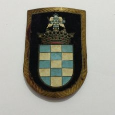 Militaria: ESCARAPELA TERCIO DUQUE DE ALBA 2° DE LA LEGIÓN ESPAÑOLA, 88X60 MM. ÉPOCA FRANCO. Lote 71206473