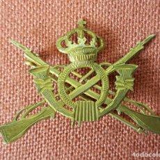 Militaria: PIN. INSIGNIA DEL EJRCITO DE TIERRA. INFANTERIA. METAL DORADO. CIRCA 1950. Lote 71924467