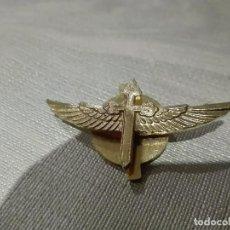 Militaria: PIN DORADO CON DE LA CRUZ DE SANTIAGO ALADA. Lote 75155495