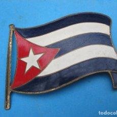 Militaria: INSIGNIA METALICA , DE COCHE , ESMALTADA , BANDERA REPUBLICA DE CUBA. Lote 75775075