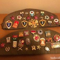 Militaria: DOS PILOTKA ORIGINALES SOVIÉTICOS CON PINES Y PARCHES, RUSIA, COMUNISMO, COMUNISTA,LENIN,STALIN. Lote 76534779