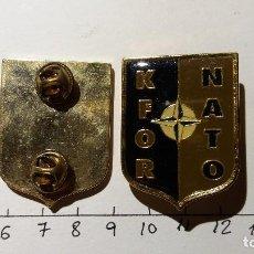 Militaria: INSIGNIA OTAN KFOR. Lote 195383558