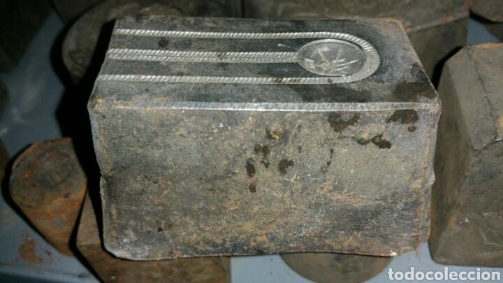 Militaria: Antiguo troquel para presillas o insignias de gorros o Teresianas de peón caminero - Foto 2 - 78300745