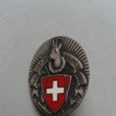 Militaria: INSIGNIA ESMALTADA SUIZA. SCHWEIZER ALPEN CLUB. FIRMADA: PAUL KRAMER. NEUCHATEL.. Lote 80722106