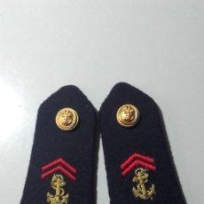 Militaria: INSIGNIAS ANTIGUAS. Lote 80939916