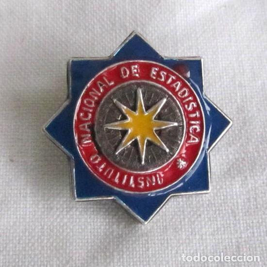 INSIGNIA ALFILER PLATA 925 Y LACADOS INSTITUTO NACIONAL DE ESTADÍSTICA (Militar - Insignias Militares Españolas y Pins)