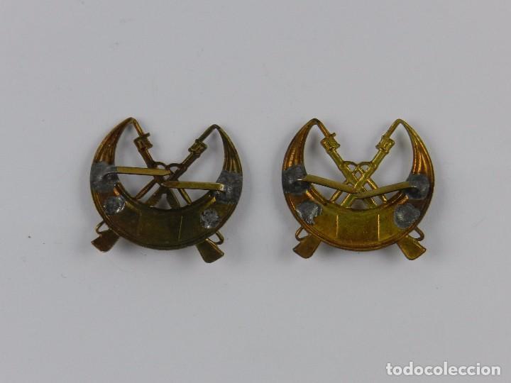 Militaria: Lote de 2 insignias de regulares 5, epoca guerra civil y posguerra, buen estado, tal y como se ve en - Foto 2 - 84915988
