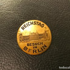 Militaria: INSIGNIA REICHSTAG BESUCH IN BERLIN, TERCER REICH, HITLER, FUHRER. Lote 85027236