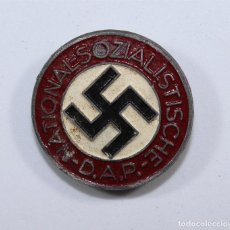 Militaria: ALEMANIA NAZI III REICH INSIGNIA DEL PARTIDO NSDAP CON MARCAJE M1-163. Lote 95982584