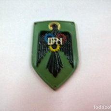 Militaria: EMBLEMA METALICO DEFENSA PASIVA NACIONAL-DPN-POLICIA ARMADA-N. Lote 86939024