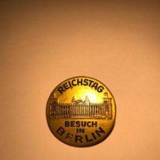 Militaria: INSIGNIA REICHSTAG BESUCH IN BERLIN, TERCER REICH, HITLER, FUHRER. Lote 92965475