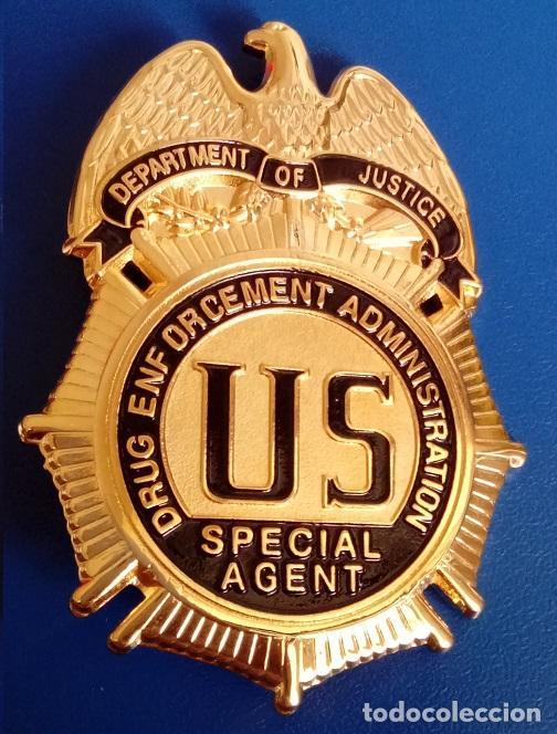Miembros y Rangos del departamento del Policía De Los Santos. 93078370_013159