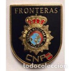 Militaria: DISTINTIVO EN METAL DE CONTROL DE FRONTERAS DE LA POLICIA NACIONAL . Lote 131578271