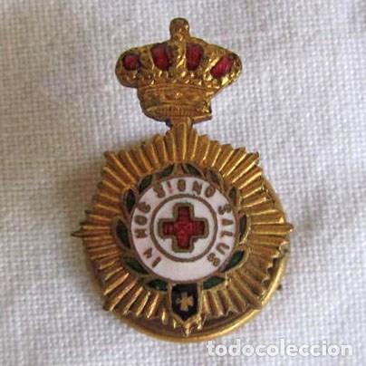 INSIGNIA PIN DE SOLAPA DE LA CRUZ ROJA IN HOC SIGNO SALUS (Militar - Insignias Militares Españolas y Pins)