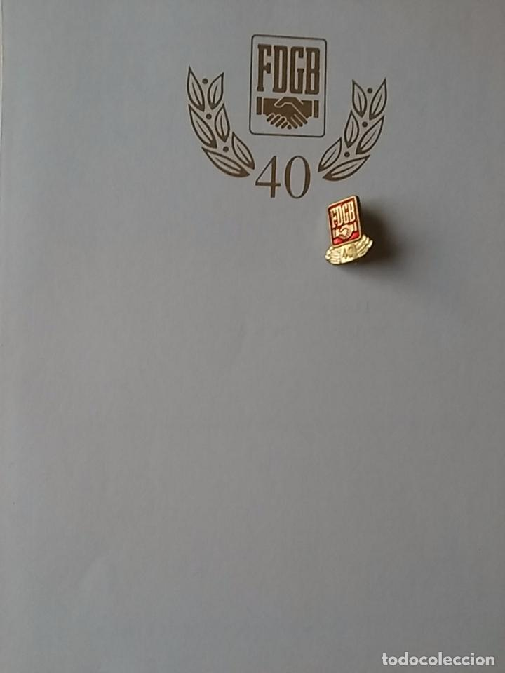 CERTIFICADO E INSIGNIA ORIGINAL DE LA DESAPARECIDA ALEMANIA ORIENTAL. 1989. (B2) (Militar - Insignias Militares Extranjeras y Pins)
