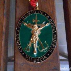 Militaria: LEGIÓN PLACA O COLGANTE CRISTO DE LA BUENA MUERTE COFRADÍA VALENCIA. Lote 95225395
