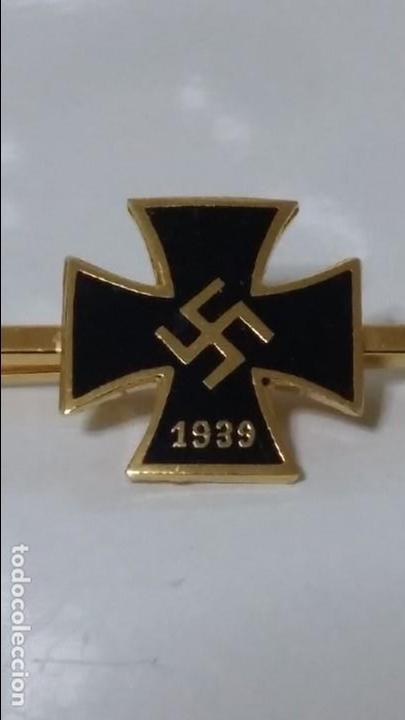 PISA CORBATA ALEMÁN (Militar - Insignias Militares Extranjeras y Pins)
