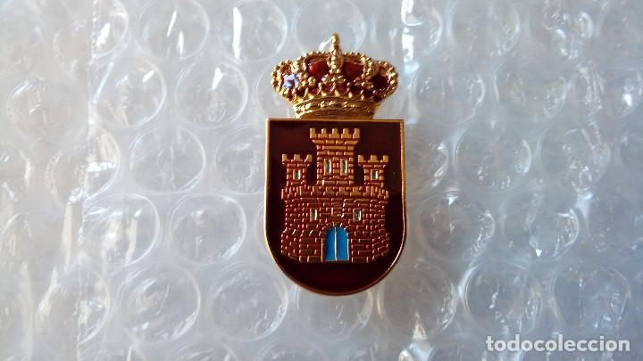 DISTINTIVO DE PERMANENCIA EN EL REGTO. INMEMORIAL DEL REY (Militar - Insignias Militares Españolas y Pins)