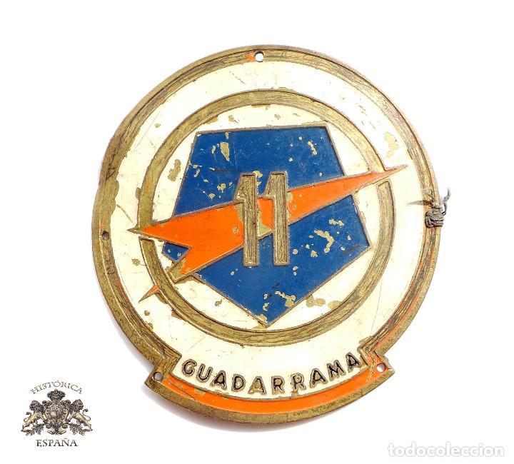EMBLEMA DE BRAZO DE LA 11 DIVISIÓN GUADARRAMA ( PENTÓMICA ), METÁLICO,GRANDE, .AÑOS 50-60 (Militar - Insignias Militares Españolas y Pins)