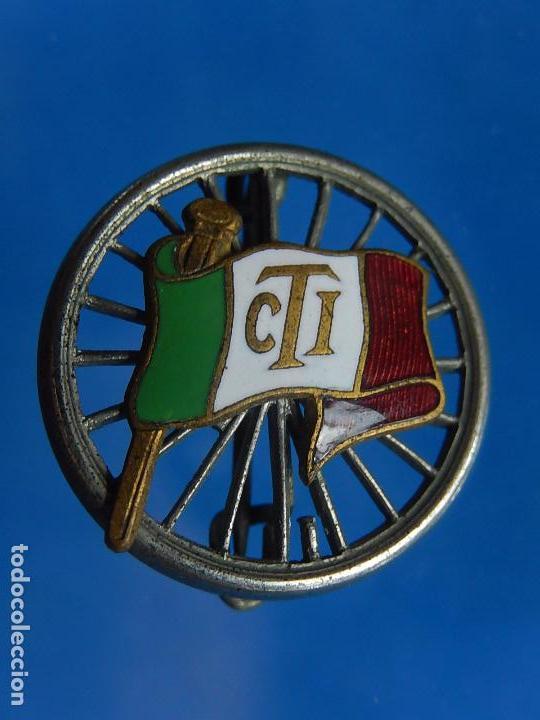 Militaria: Insignia / distintivo italiano. Bandera con iniciales CTI. A catalogar. - Foto 3 - 97750115
