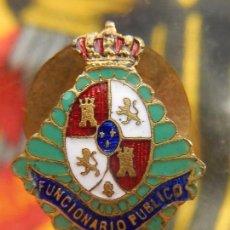 Militaria: INSIGNIA FUNCIONARIO PÚBLICO. ÉPOCA DE ALFONSO XIII. GIOL. MADRID. PARA SOLAPA CHAQUETAS.. Lote 98069931