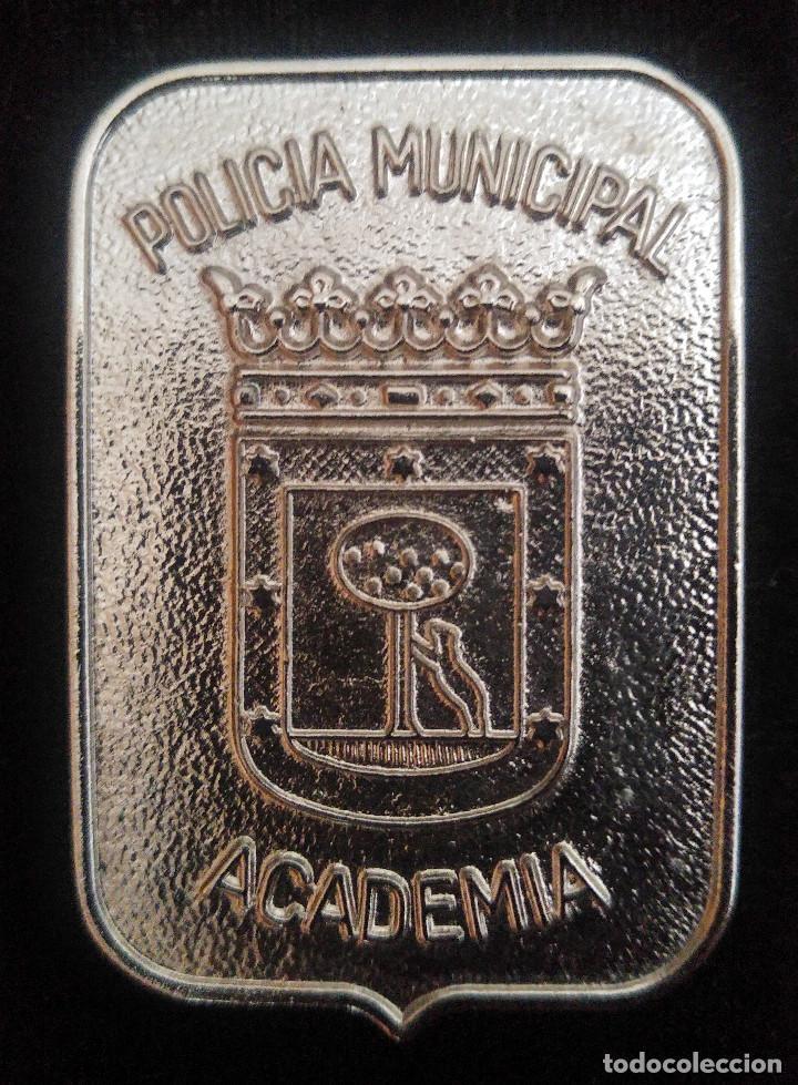PLACA ACADEMIA POLICÍA MUNICIPAL DE MADRID (Militar - Insignias Militares Españolas y Pins)