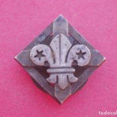Militaria: PIN ANTIGUO CRUZ Y FLOR DE LIS.. Lote 100466551