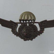 Militaria: INSIGNIA PARACAIDISTA EJERCITO PORTUGAL, REVERSO CON ALFILER, MIDE 6,2 CMS.. Lote 101962871