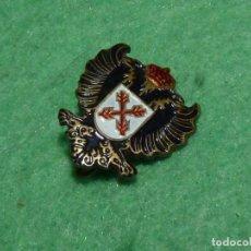 Militaria: ANTIGUA INSIGNIA PIN IMPERDIBLE SOLAPA CARLISTAS REQUETES CRUZ BORGOÑA SAN ANDRÉS GUERRA CIVIL. Lote 149640706