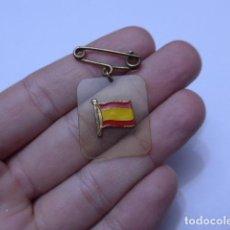 Militaria: ANTIGUA INSIGNIA PATRIOTICA ORIGINAL DE GUERRA CIVIL, BANDERA ESPAÑOLA. ZX. Lote 103784551