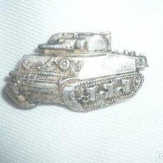 Militaria: INSIGNIA CARRO DE COMBATE. Lote 104395107