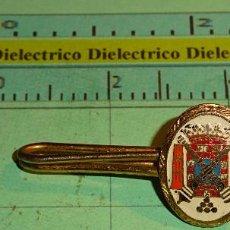 Militaria: ALFILER DE CORBATA. INSIGNIA PISACORBATAS MILITAR. ARTILLERÍA. Lote 104655031
