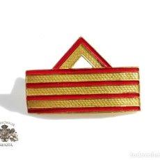 Militaria: DISTINTIVO DE SARGENTO DE PRIMERA. GALLETA - 4 CM DE LARGO . Lote 104818391