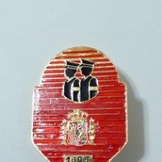 Militaria: PLACA DE POLICIA NACIONAL, PAREJA DE PATRULLA NOCTURNA. ORIGINAL DE EPOCA. Lote 109081331