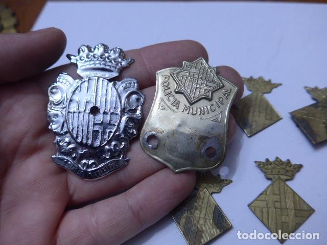 Militaria: * Gran lote de insignia de policia de Barcelona antigua, originales, variedad. ZX - Foto 2 - 110334835