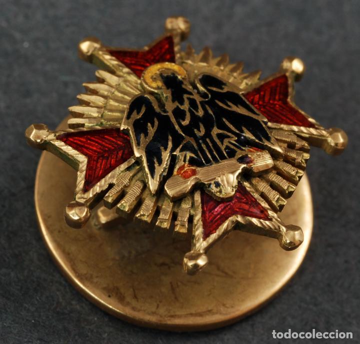 Insignia pin real orden de cisneros en oro y es - Sold through