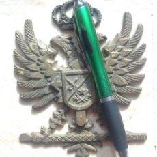 Militaria: ESCUDO AGUILA BICEFALA. CRUZ DE SANTIAGO. ESTADO MAYOR DE CUARTEL GENERAL. . Lote 126099080