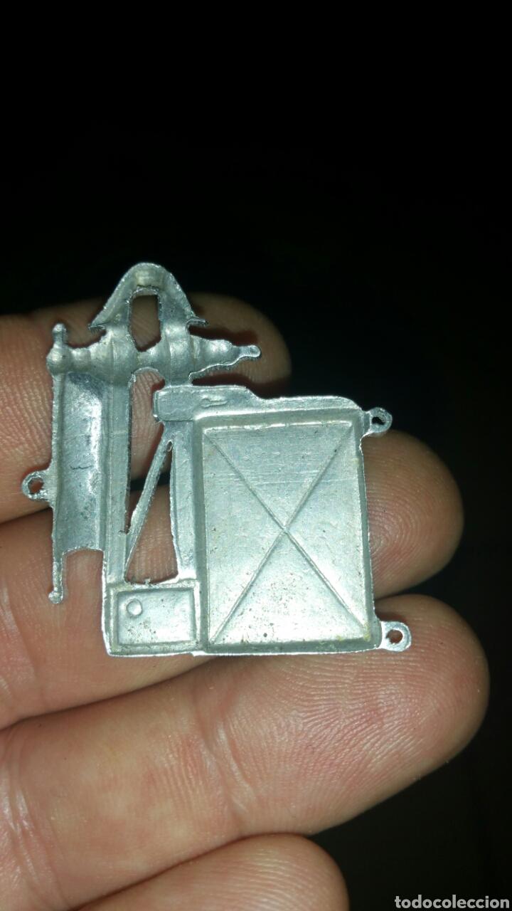 Militaria: Distintivo del Cuerpo de Ingenieros talleres ferrocarriles Alfonso 13 - Foto 2 - 112901080