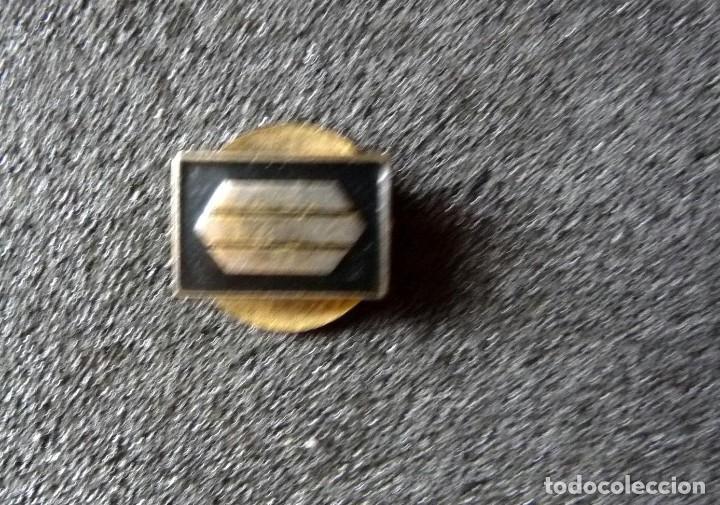 Militaria: (JX-180238)Insignia de ojal , pin , de Sargento Provisional , Guerra Civil . - Foto 3 - 113683427