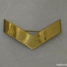 Militaria: GALON INSIGNIA EN LATON A IDENTIFICAR.. Lote 115356155