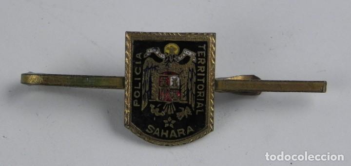 PASADOR DE CORBATA DE LA POLICIA TERRITORIAL DEL SAHARA ESPAÑOL, ESMALTADA. (Militar - Insignias Militares Españolas y Pins)