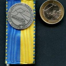 Militaria: SUIZA, INSIGNIA, JUNGFRAU REGION, SUISSE MEDAL. Lote 293859793