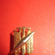 Militaria: SINDICATOS VERTICALES. EPOCA FRANCO . INSIGNIA O PIN DE AGUJA.. Lote 118706891