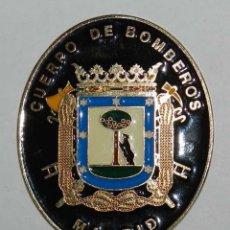 Militaria: PLACA DEL CUERPO DE BOMBEROS DE MADRID, METÁLICA, ESMALTADA, LISA POR EL REVERSO, TAL COMO SE PUEDE . Lote 118891383