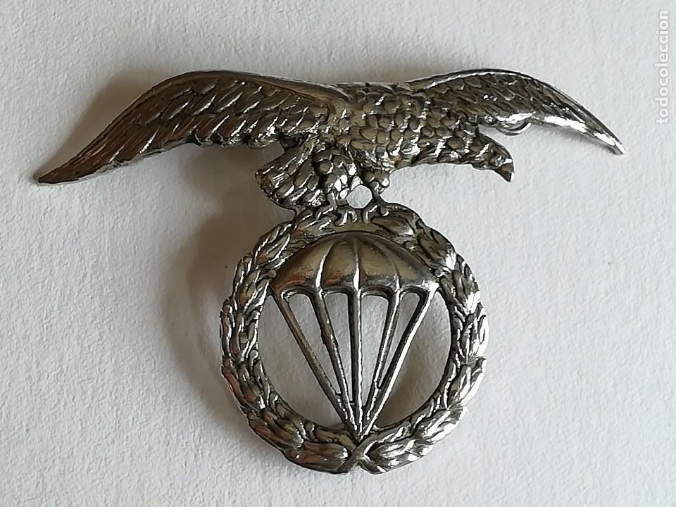 DISTINTIVO BOINA BRIGADA PARACAIDISTA EJÉRCITO ESPAÑOL (Militar - Insignias Militares Españolas y Pins)